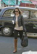Филиппа Шарлотта 'Пиппа' Мидлтон, фото 83. Philippa Charlotte 'Pippa' Middleton Pippa Walking to Work x25 HQ, foto 83