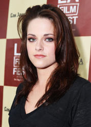 Кристен Стюарт, фото 185. Kristen Stewart arrives at 'A Better Life' World Premiere Gala Screening during the 2011 Los Angeles Film Festival at Regal Cinemas L.A. LIVE on June 21, 2011 in Los Angeles, California., photo 185