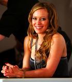 Hilary Duff Pantyhose Upskirt Foto 423 ( Фото 423)